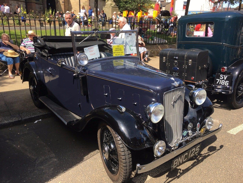 Fleetwood Tram Sunday 2017 Photos - Vintage Cars